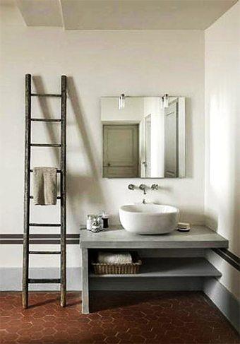 Añadir complementos en la decoración del baño