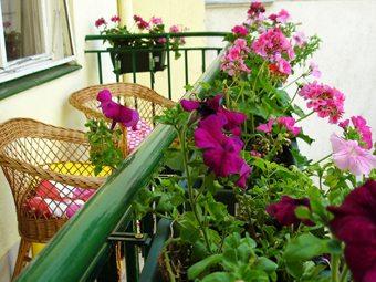 Textiles y flores para hacer de tu balcón un rincón ideal decoracion-jardines Blog Decoracion