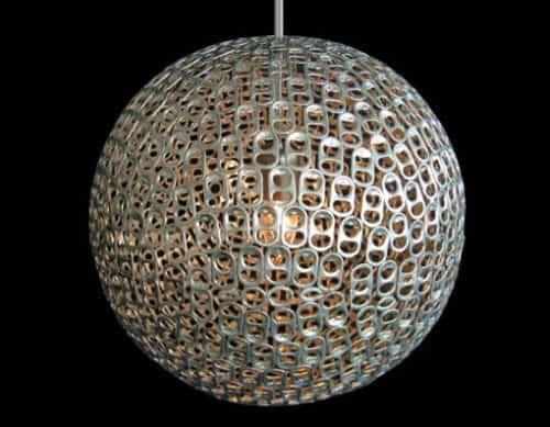 lámpara con latas recicladas decorar reciclando