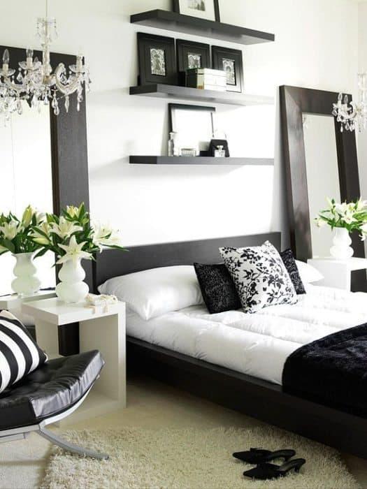 habitación en blanco y negro