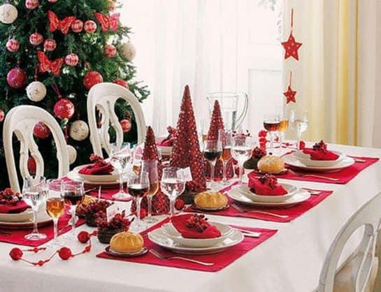 mesa de navidad blanca y roja