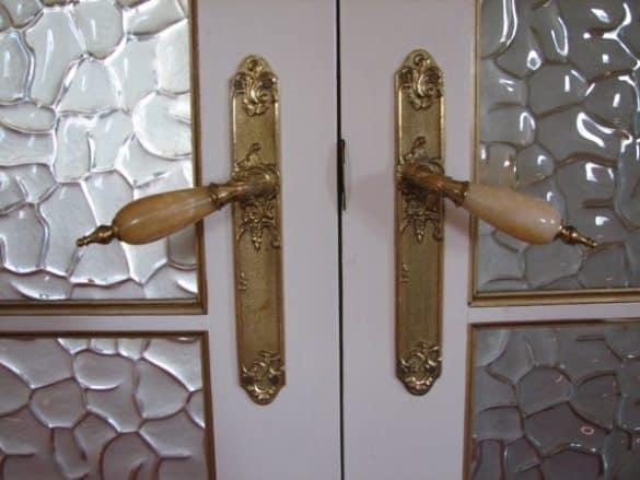 Decora tu casa con un diseño vintage utilizando puertas antiguas