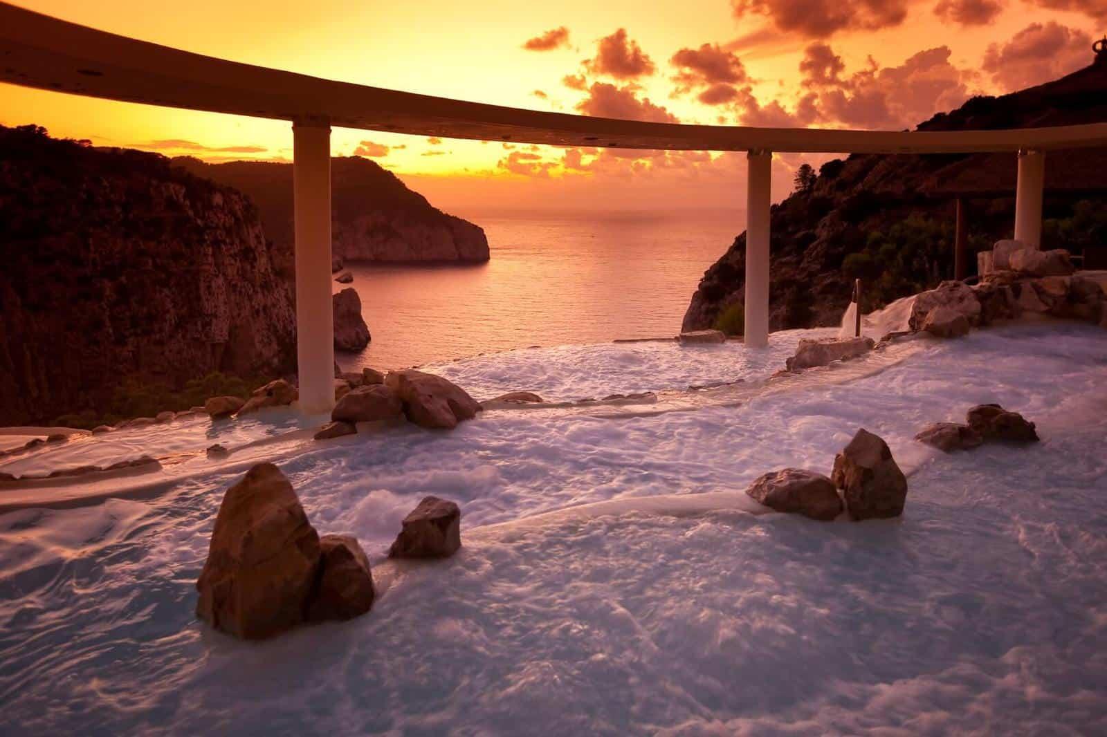 5 piscinas de hotel impresionantes que te enamorarán sin-categoria Blog Decoracion