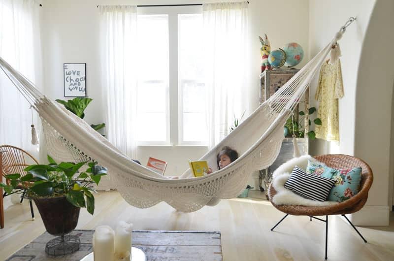 De qué manera ubicar una hamaca colgante dentro del hogar